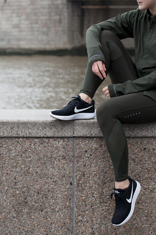 Nike-luna-epic-2-cut-crop