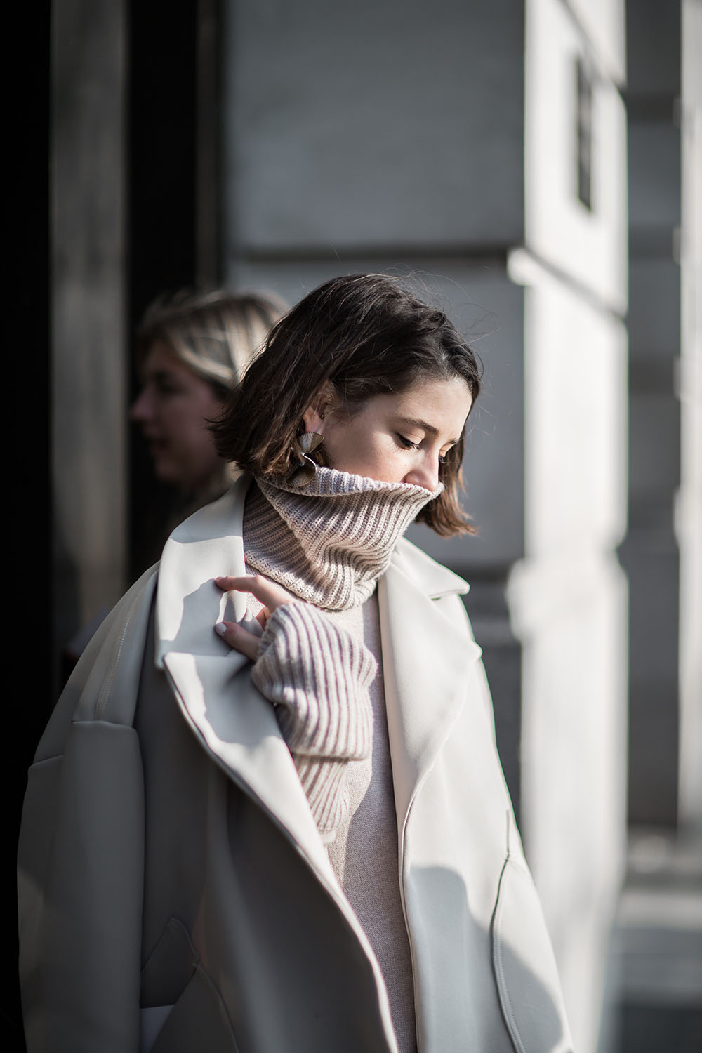 lfw-streetsyle-victoria-house-charlie-may-beige-renegade