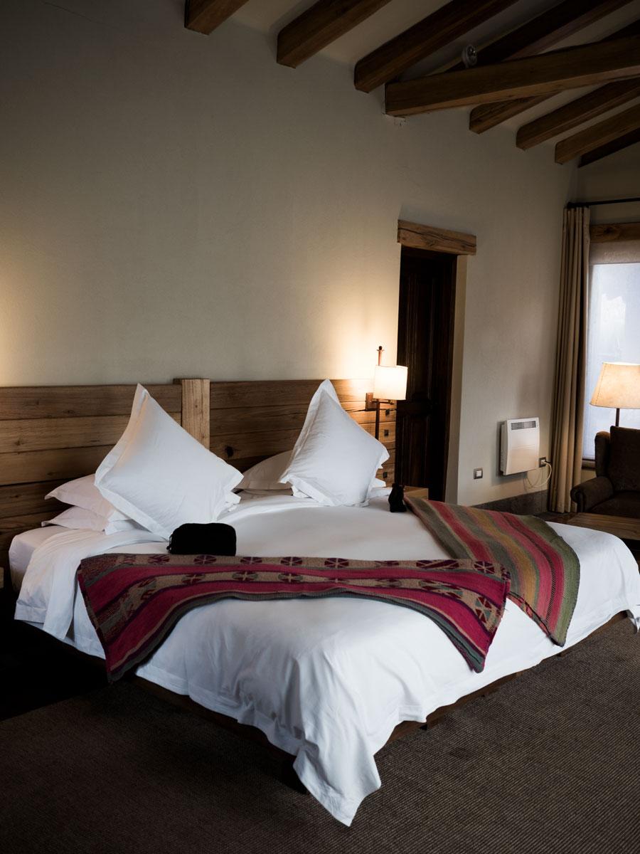 Peru-Inkaterra-Urumbamba-hotel-interior-beds