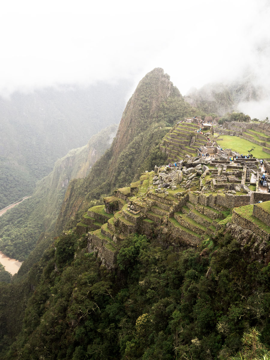Peru-Machu-Piccu-view-mountain