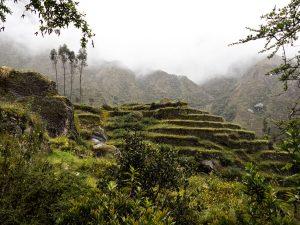 Peru-abandoned-Incan-ruins-1