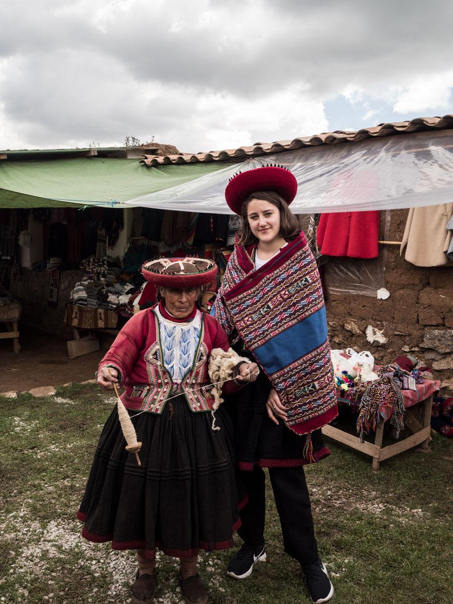Peru-andean-women-me