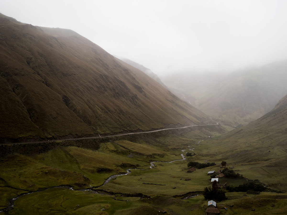 Peru-the-road-to-Cusco-valley-views
