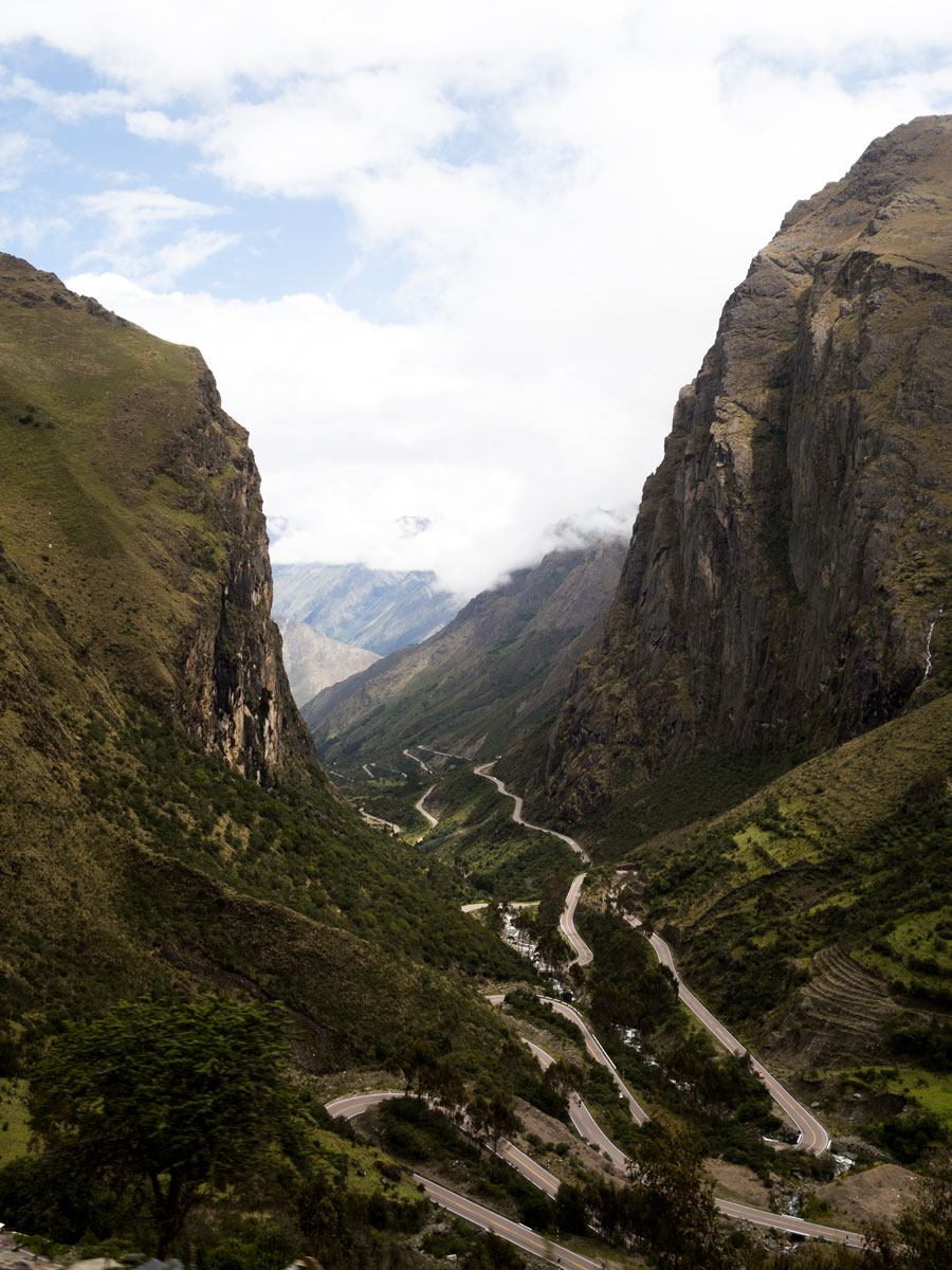 Peru-the-road-to-Cusco